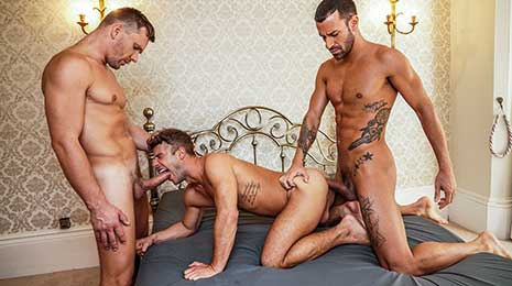 Allen King bottoms for Gustavo Cruz and Andrey Vic in this bareback gay threesome exclusively on Lucas Entertainment! You'd think after getting thoroughly slammed down his throat and...