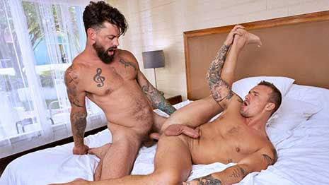 Isaac X loves going to the CCBC resort pool when there's plenty of nearby lounging muscle hunks that he can cruise. After trading a few looks with Alpha Wolfe...