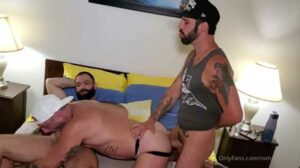 Vince Parker with another muscle stud, but ends up being the bottom bitch! I like to go somewhere warm when winter arrives. I hate cold weather.